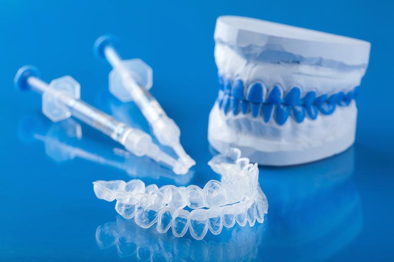 Отбеливание зубов гелем в стоматологии